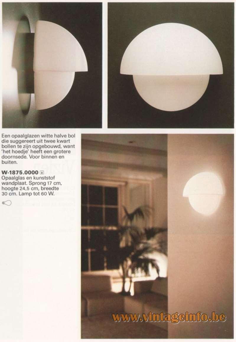 Raak Wall Lamp P-1412 - W-1890 - Catalogue 12 - 1982.jpg