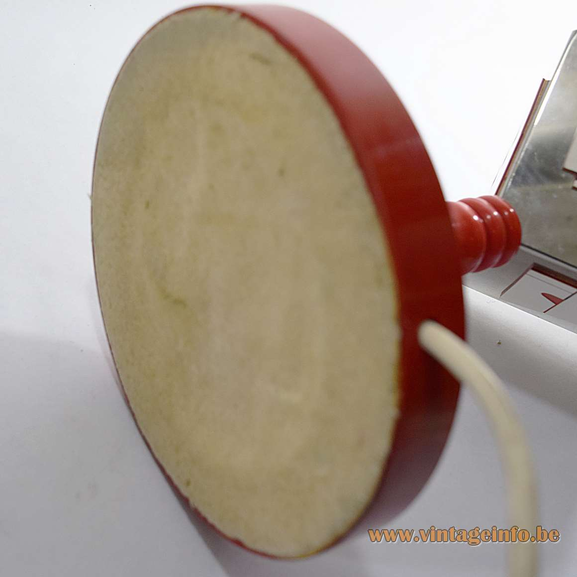 Diamond Cutting Early Retirement Table Lamp - bottom of the base