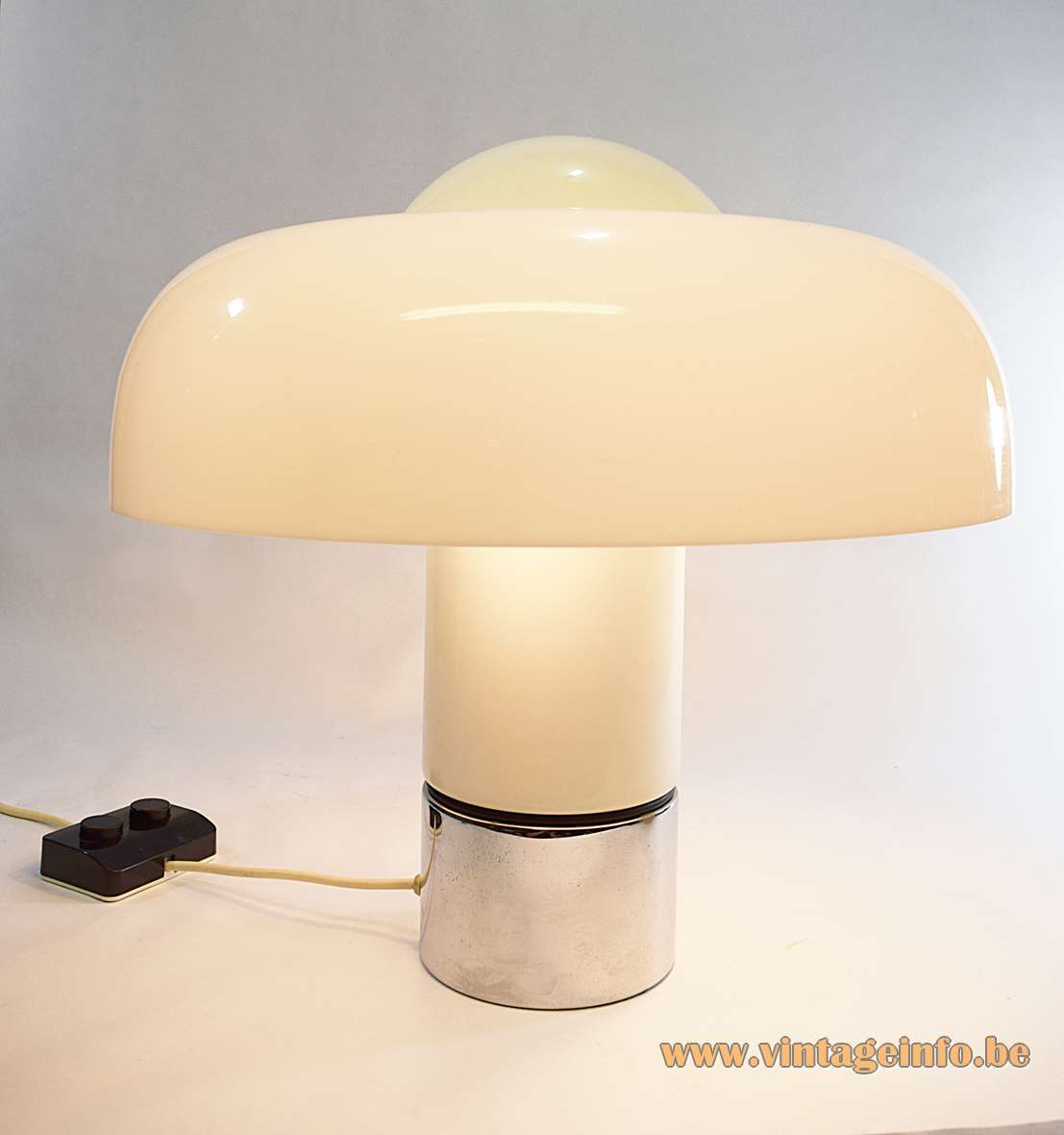 Harvey Guzzini Brumbry Table Lamp