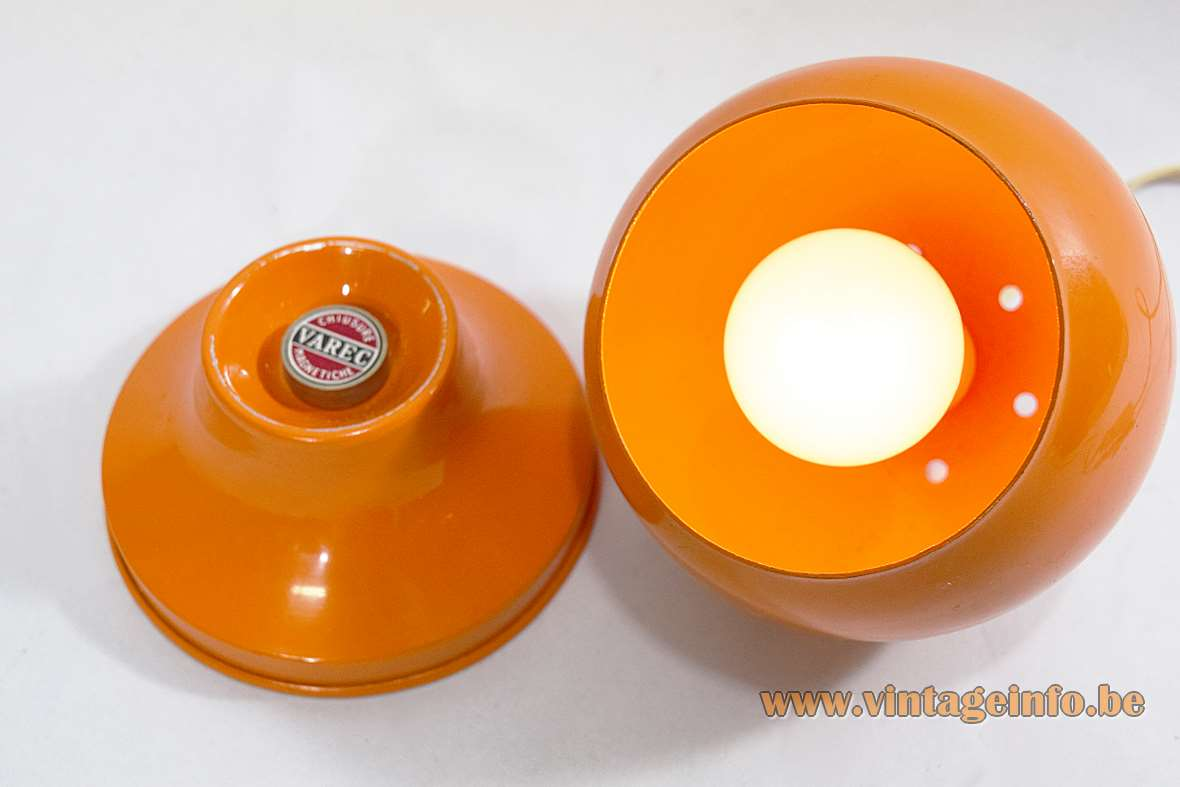 Varec Magnetic Table Lamp orange globe ball 1970s aluminium iron Chiusure Magnetiche