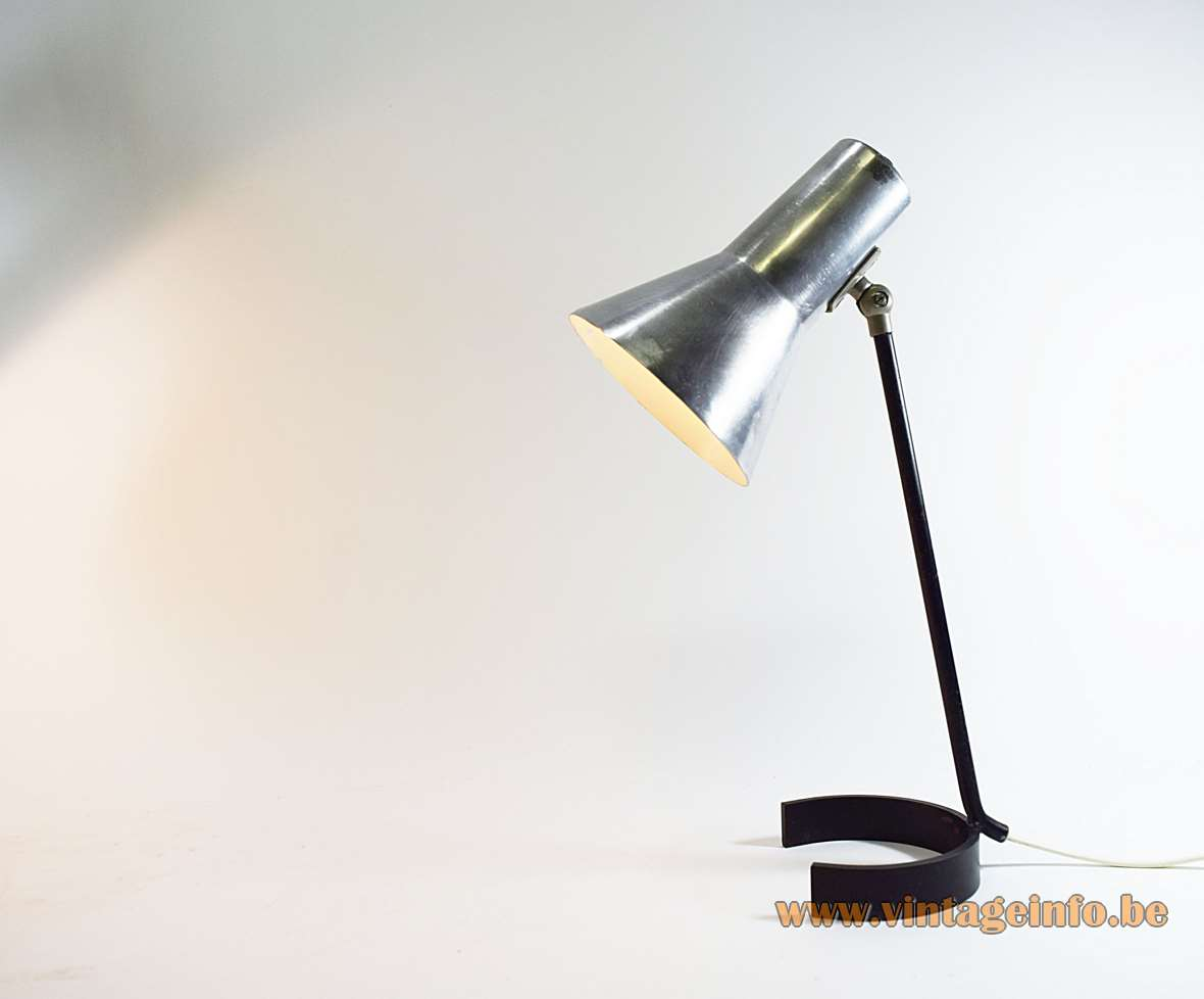 ANVIA Desk Lamp 6043