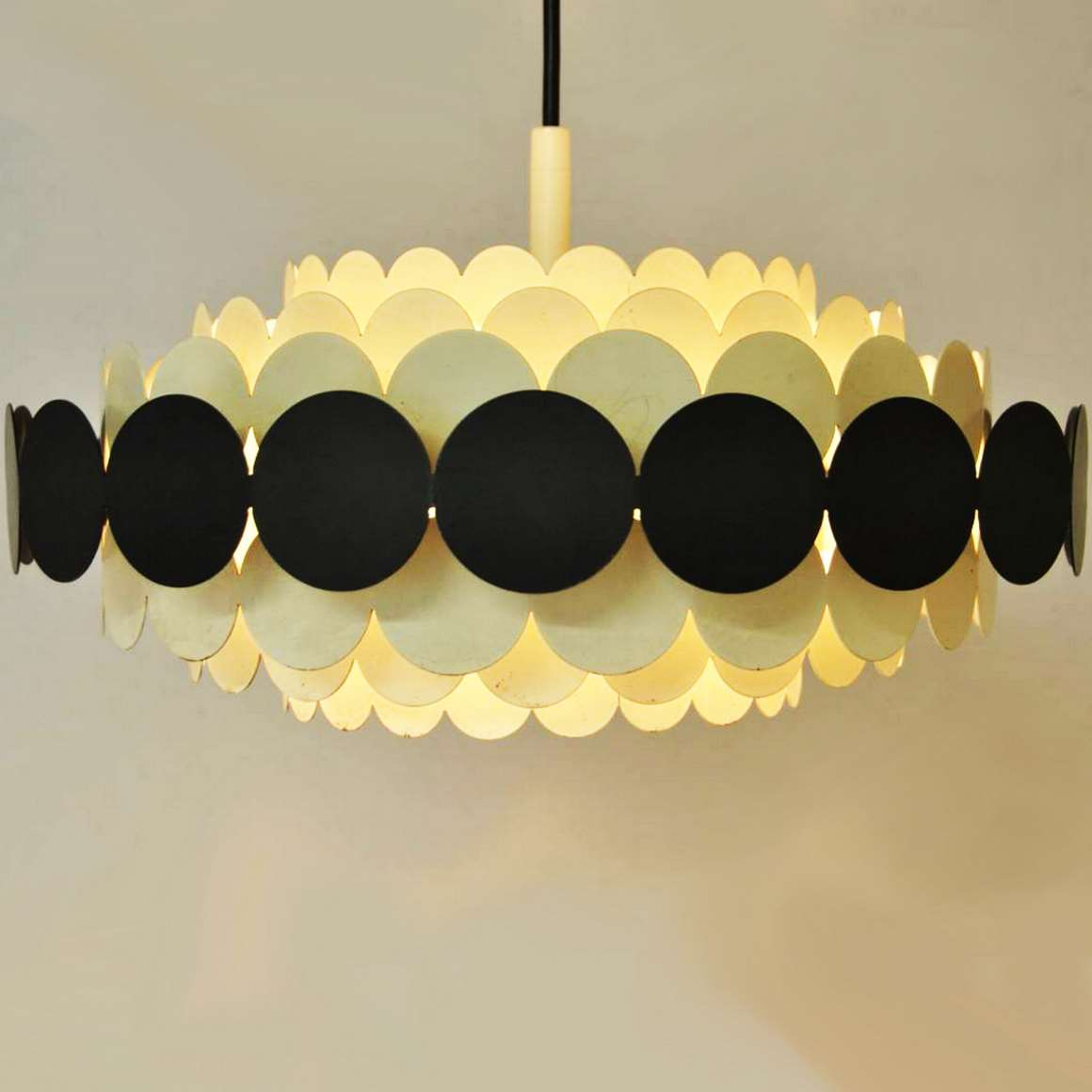 Doria Metal Pendant Light - Black & White