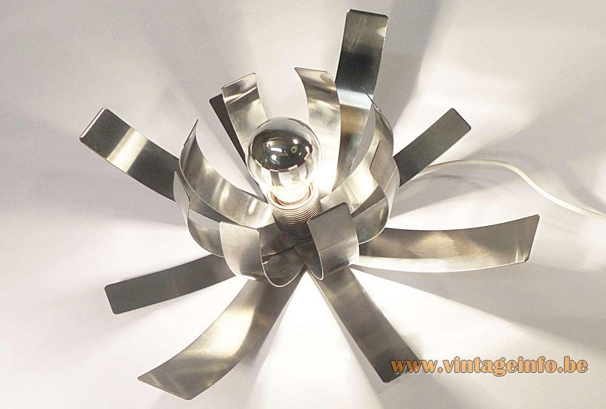 Fleur de Lumière Table Lamp