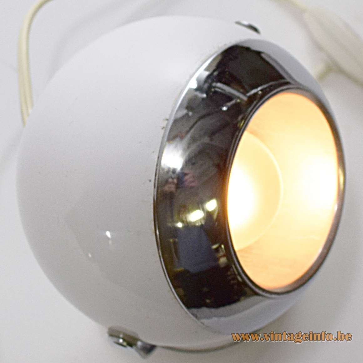 White Eyeball Table Lamp
