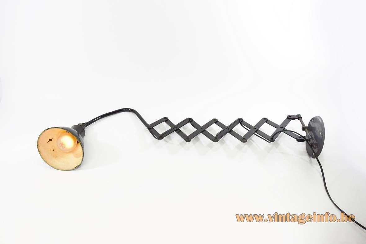 AGI Scissor Wall Lamp