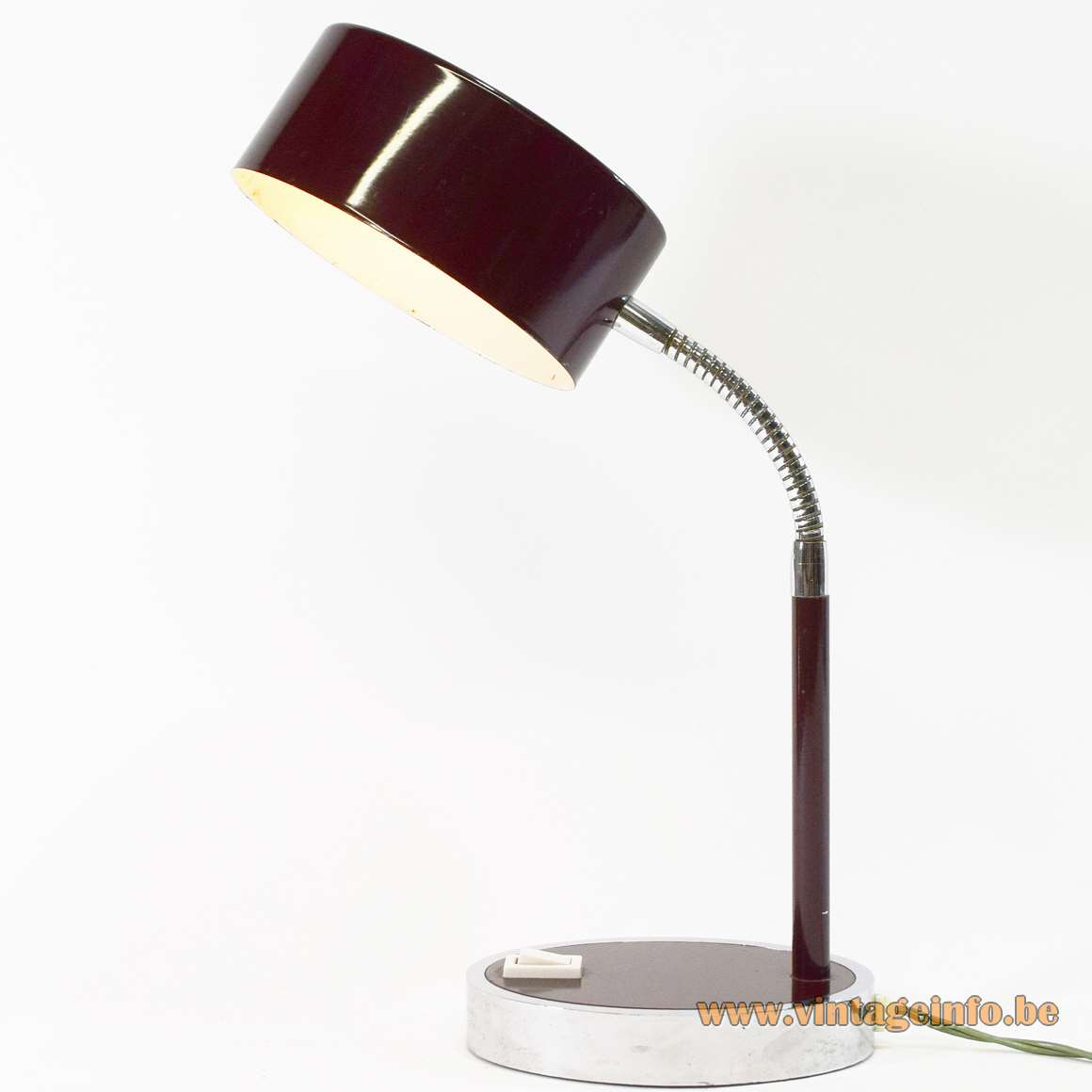 Prova Oval Desk Lamp