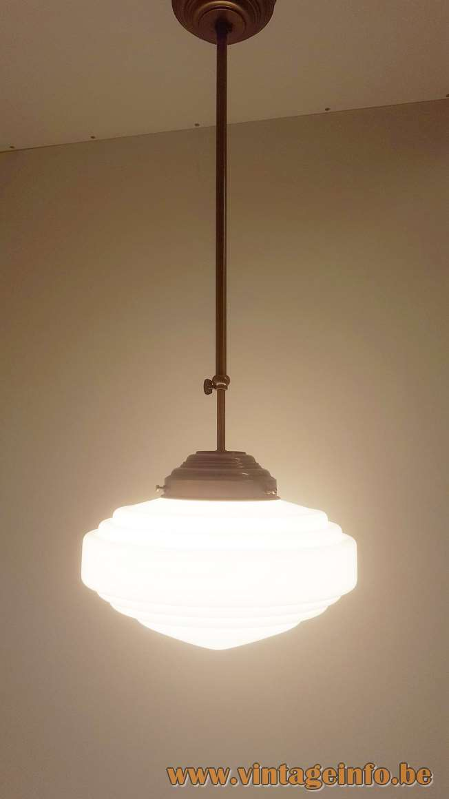 Herda Art Deco Pendant Light