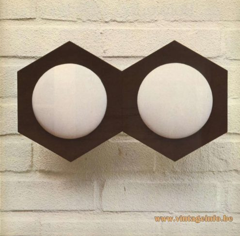 Raak Catalogue 9 - 1972, Raak 'Hexagon' Wall Light - W-1807