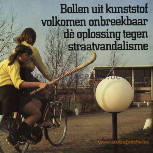 Raak Catalogue 11, 1978 - Bollen uit kunststof, volkomen onbreekbaar. Dè oplossing tegen straatvandalisme. Bulbs made of plastic, completely unbreakable. The solution against street vandalism.