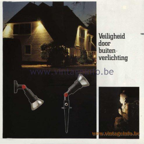 Raak Catalogue 11, 1978 - Raak Outdoor Lamps - Veiligheid door buitenverlichting - Safety through outdoor lighting