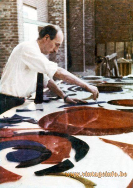 Raak Chartres Wall Lamp - Willem van Oyen senior at work - Bevo Glasindustrie 1960s