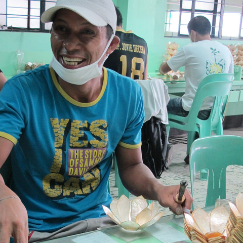 Capiz Artisan - The Philippines