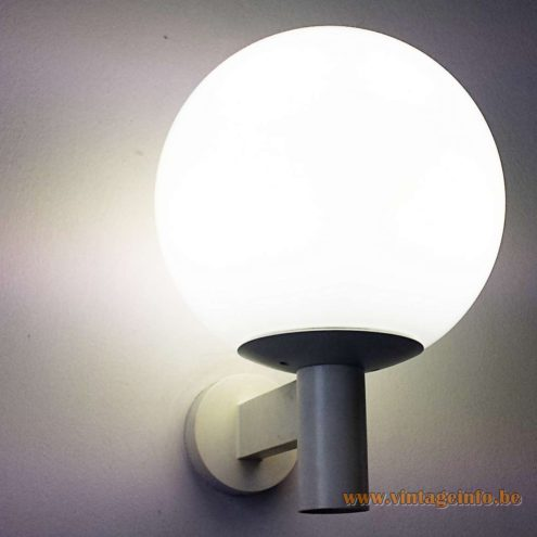 Bega 5748 Garden Wall Lamp - white glass - spotted somewhere in Aachen in 2015 (Germany)
