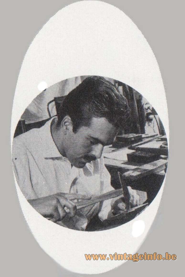 Frank Ligtelijn - Ellecom - Edelsmid ontwerper - Catalogue 8 - 1968 - at work as a jeweller
