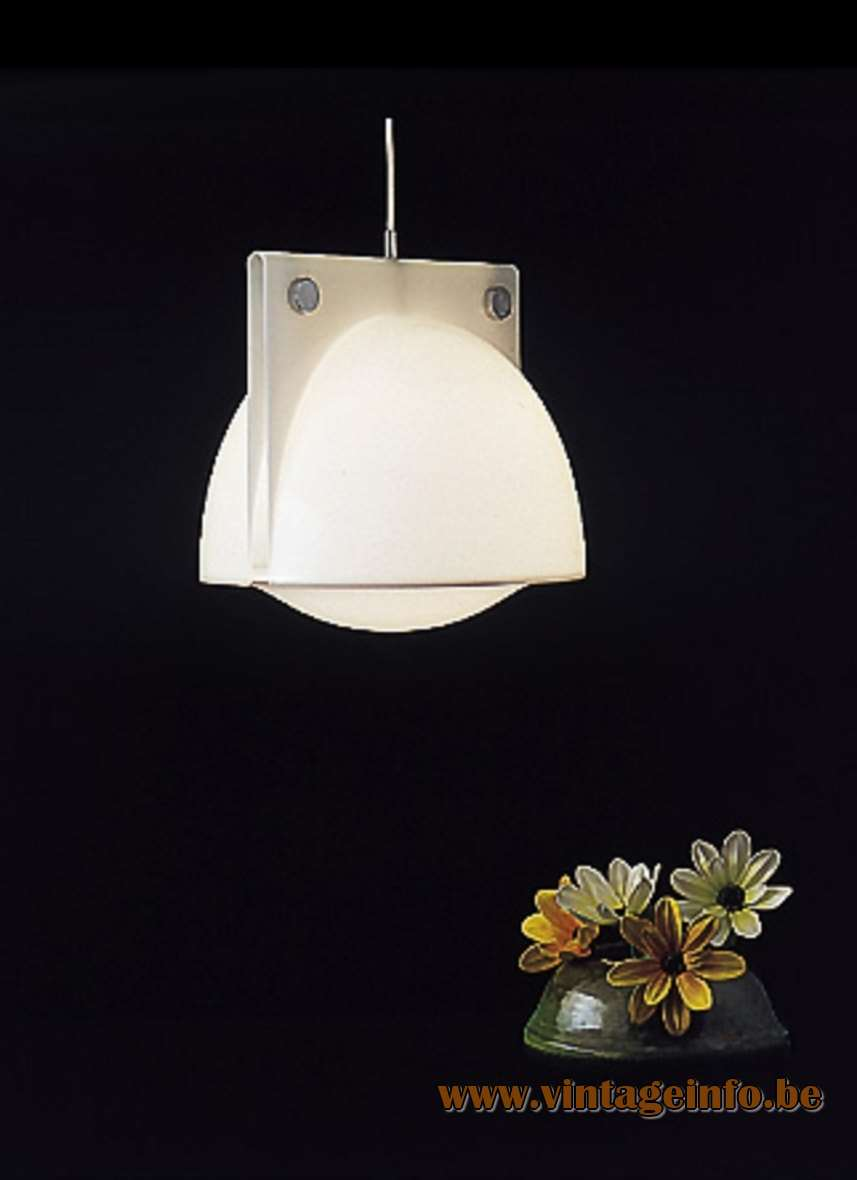 White Orione pendant lamp in the 1970 catalogue