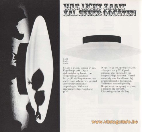 Raak Discus Flush Mount or Wall Lamp - Catalogue 8 - 1968 - Opal frosted glass