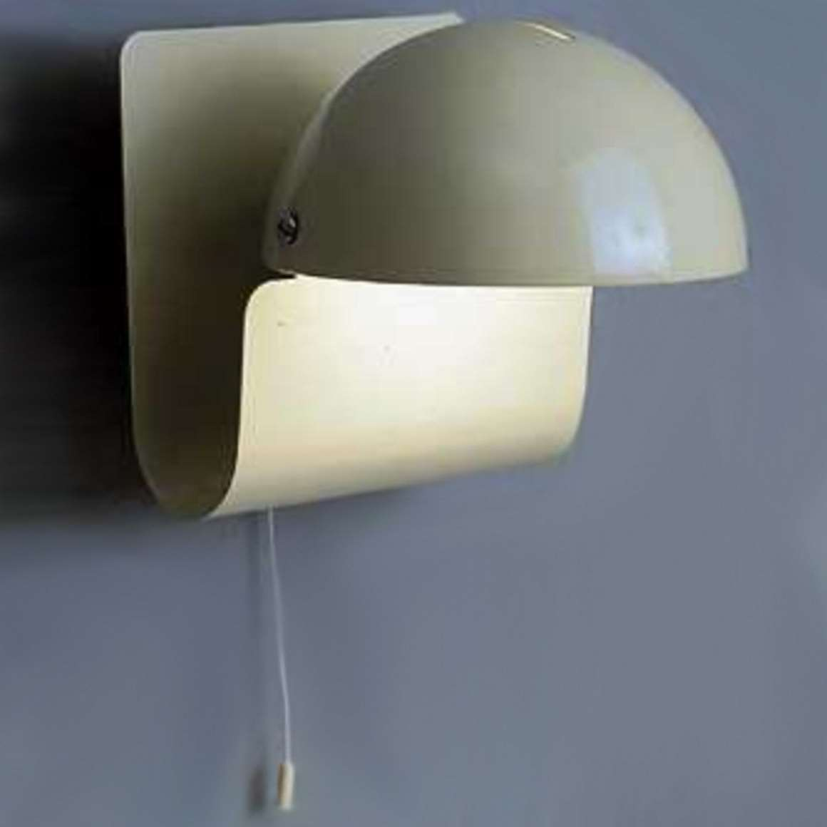 iGuzzini Bugia Table or Wall Lamp - On the wall