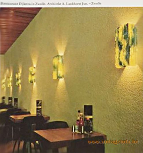 Restaurant Dijkstra Zwolle - Raak Chartres Wall Lamps - Architekt A. Lankhorst Junior - Catalogue picture 1960s