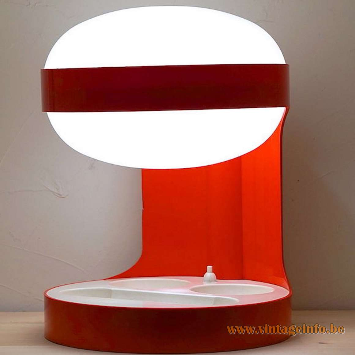 Joe Colombo KD 29 Table Lamp - Red And White Version
