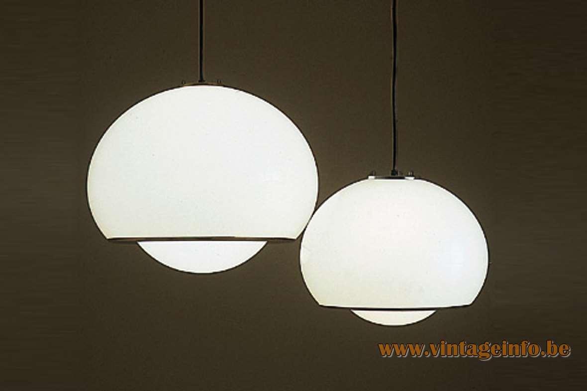 Harvey Guzzini Bud Pendant Lamp acrylic Design: 1968 Studio 6G IGuzzini Grande Meblo