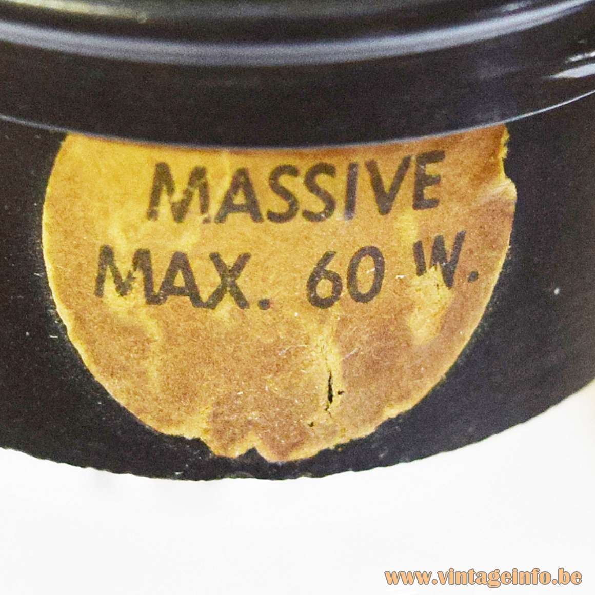 Massive Label Max. 60 W.