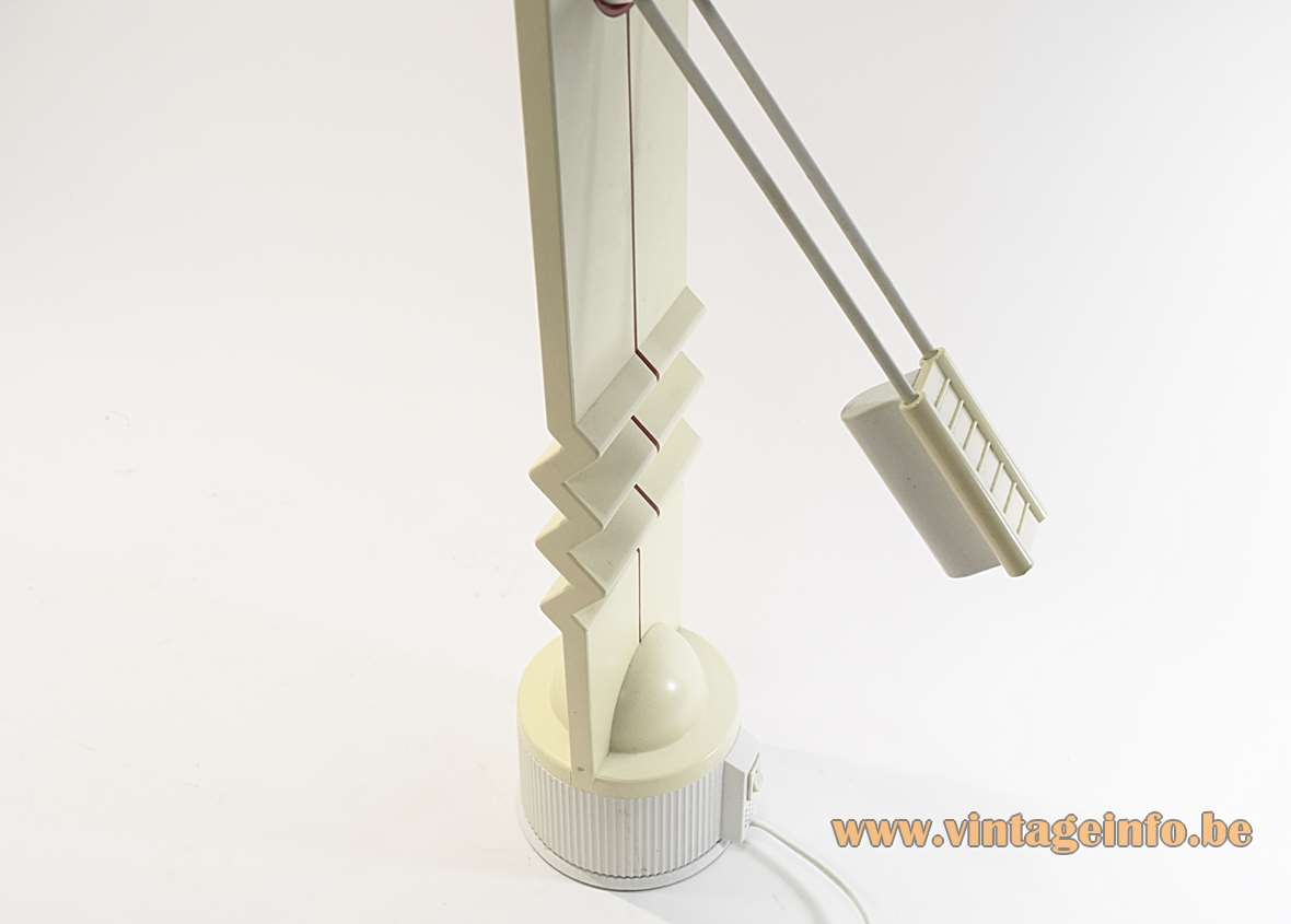 Memphis Style Zigzag Desk Lamp white & red plastic Ettore Sottsass history 1980s bio