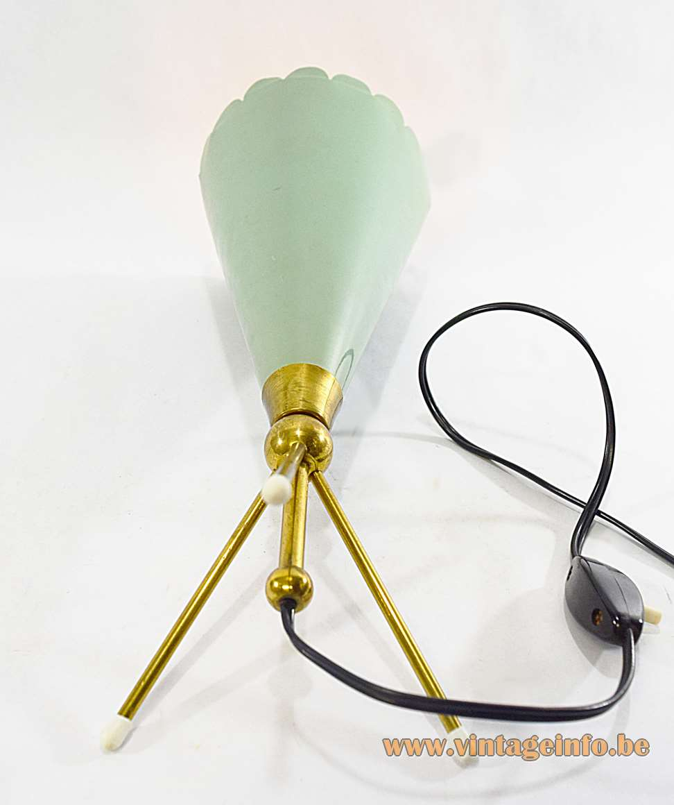 Angelo Lelii conical table lamp with a tripod base an a green aluminium cone by Arredoluce