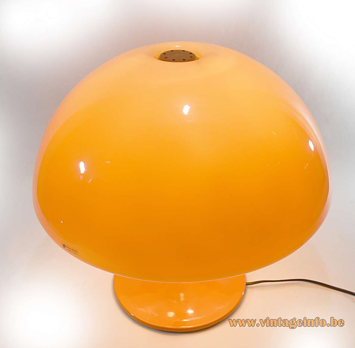 Harvey Guzzini Toledo table lamp 1965 design: Luigi Massoni orange acrylic mushroom lampshade aluminium base 1960s