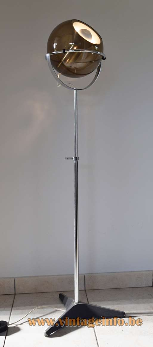Raak floor lamp smoked glass globe chrome rod tripod base design: Frank Ligtelijn D-2000 1950s 1960s 1970s MCM Mid-Century Modern