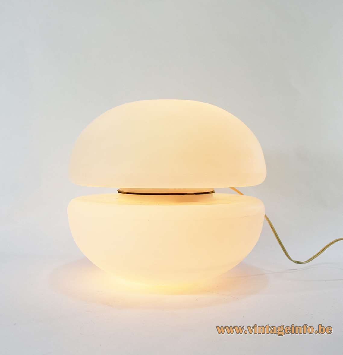 Reggiani floor or table lamp 2 frosted half round white opal glass lampshades hamburger 1950s 1960s