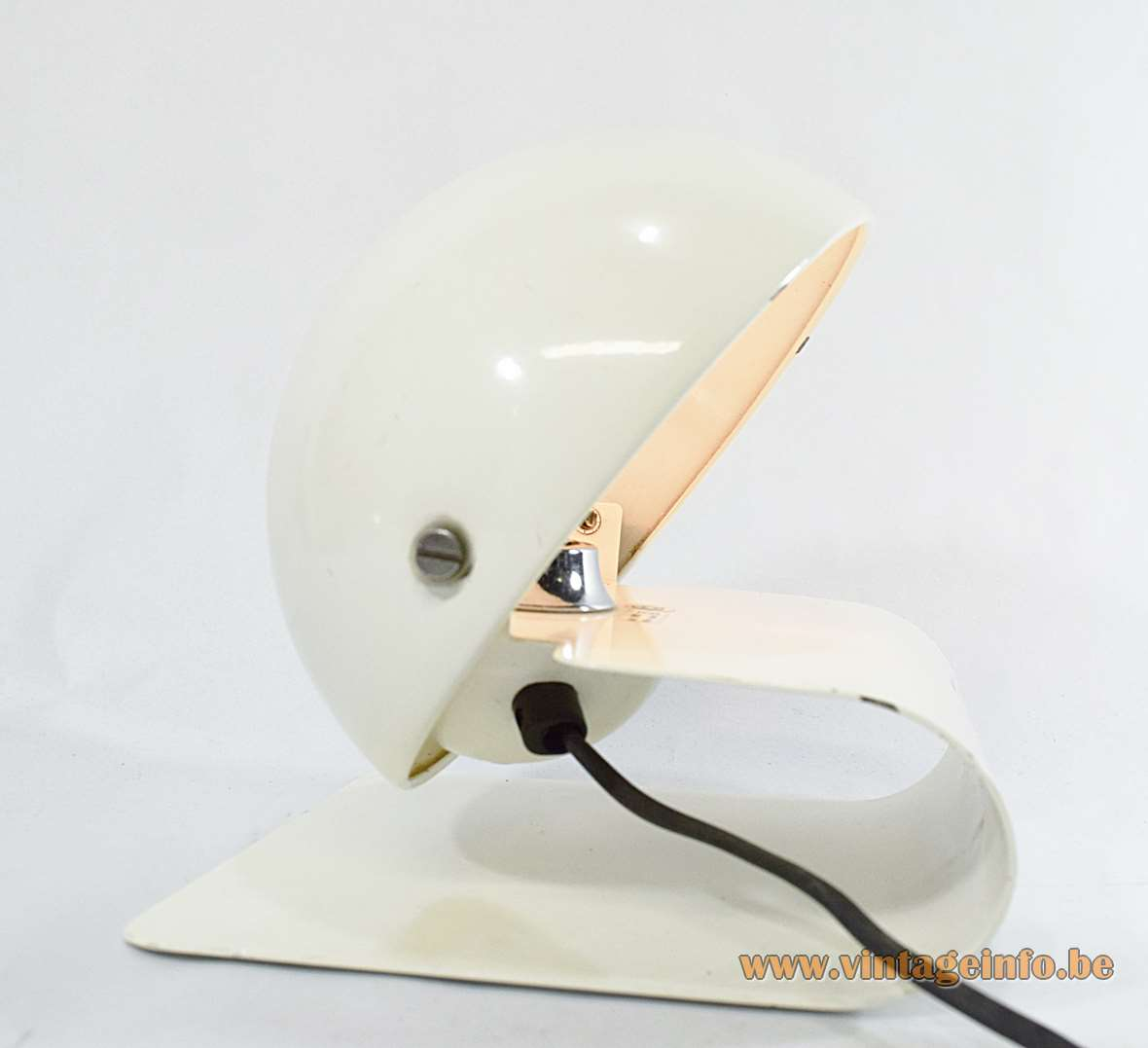iGuzzini Bugia table wall lamp design Giuseppe Cormio 1970s 1980s white metal