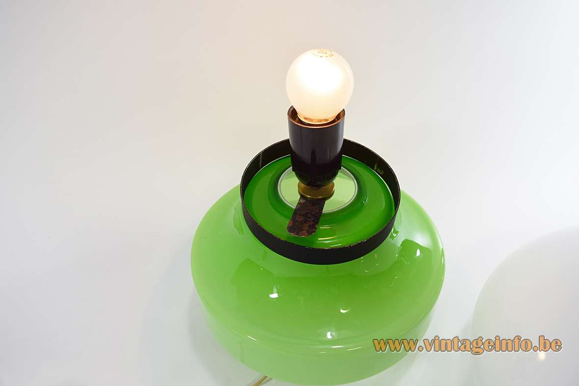 AV Mazzega green & white table lamp design: Carlo Nason Murano glass base black ring 1960s 1970s