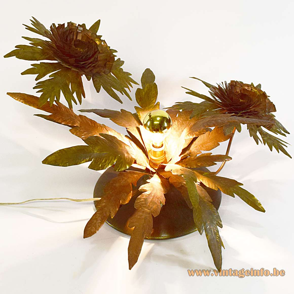 Brass 2 Flowers Table Lamp copper leaves 1 light bulb round base cardboard bottom 1950s