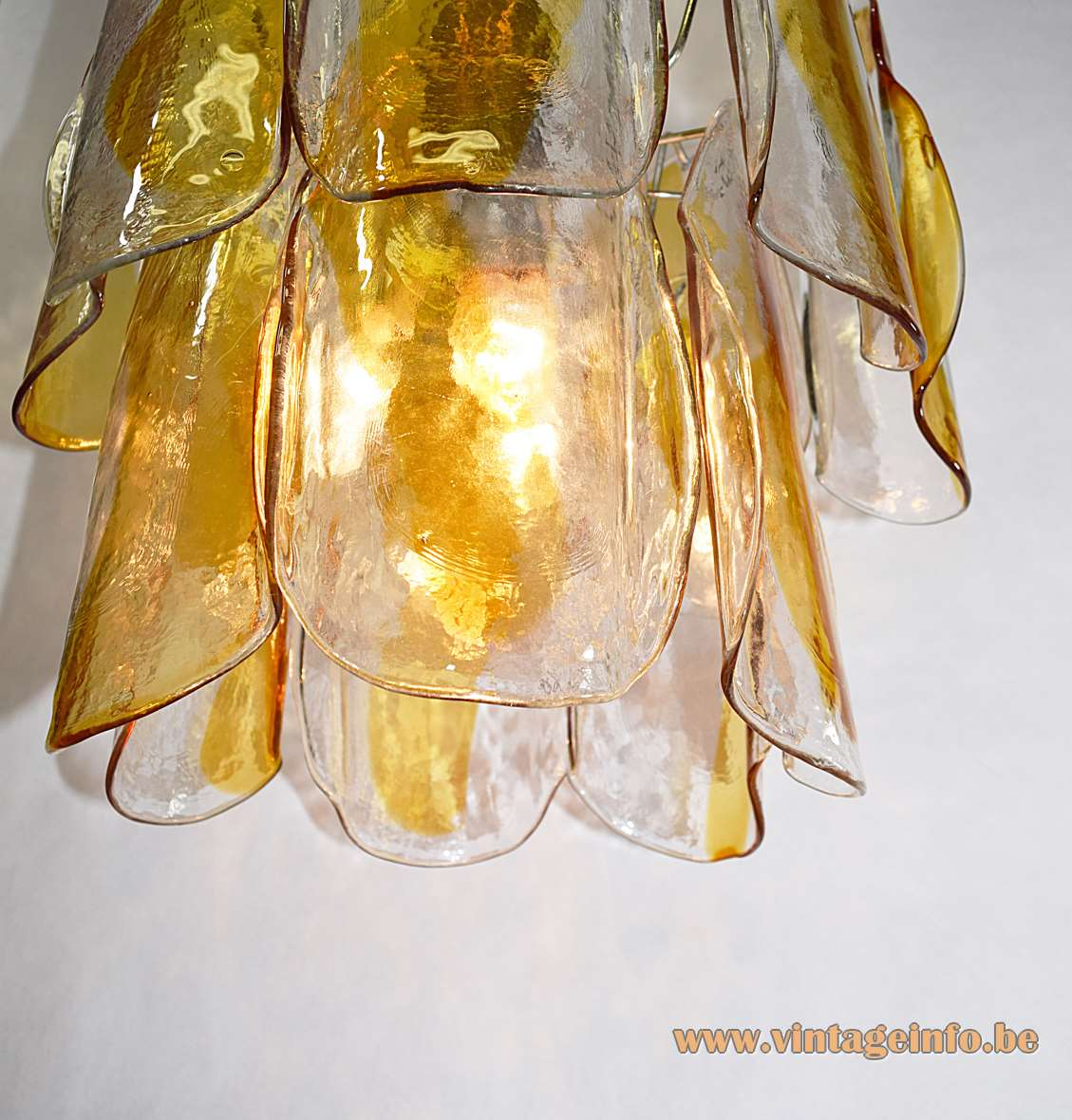 AV Mazzega Amber Crystal Glass Chandelier, 60s design Carlo Nason, 14 curved glass plates, Murano