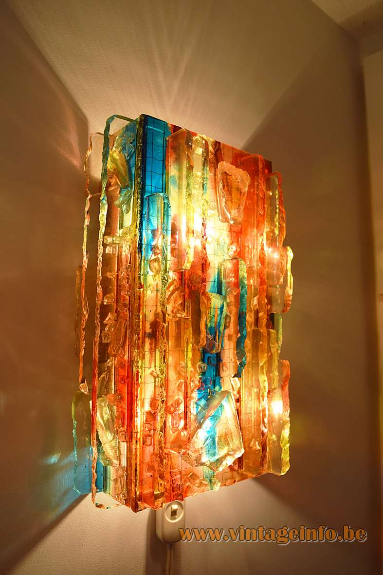 Raak Chartres red broken glass blocks brutalist wall lamp design: Willem van Oyen 1960s 1970s Mid-Century Modern MCM