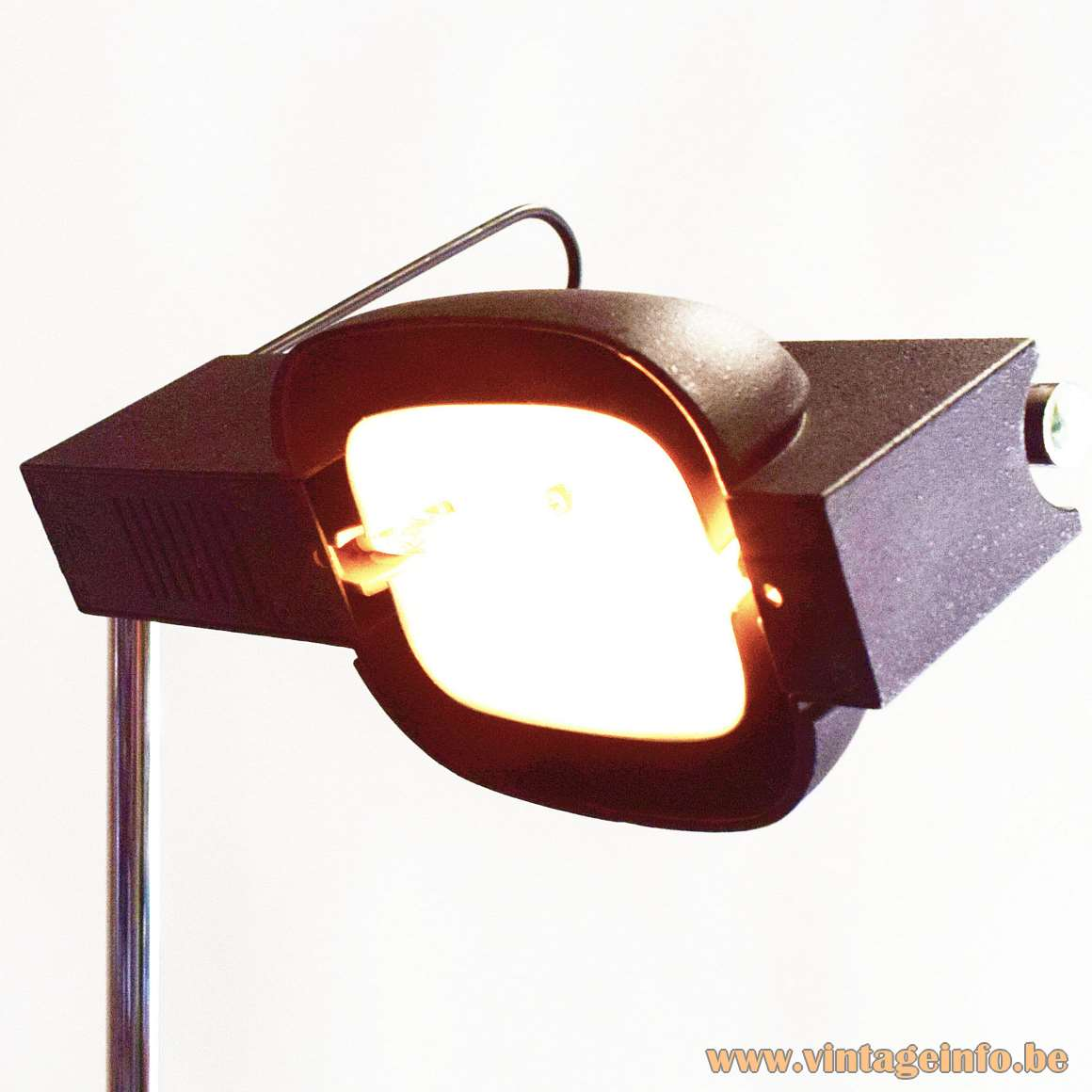 Artemide Camera Terra Floor Lamp Designer: Ernesto Gismondi black wrinkle paint chrome rod adjustable 1980s