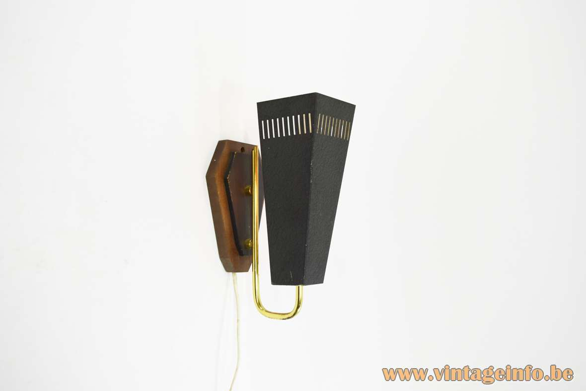 Trapezium wall lamp black wrinkle paint brass rod wooden wall mount kite 1950s 1960s MCM Mid-Century Modern