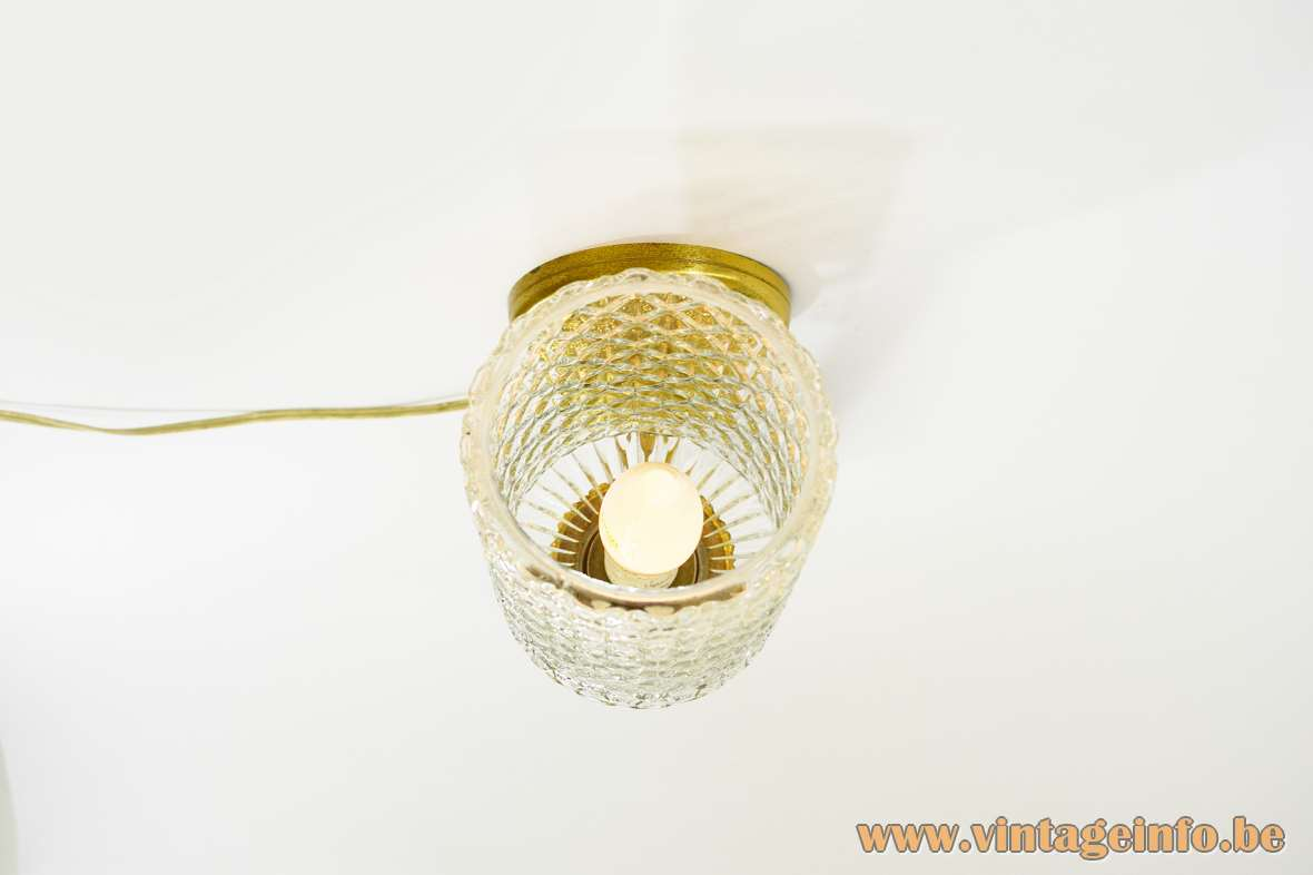 Sciolari Classic Wall Lamp round brass mount brass parts embossed crystal glass 1960s 1970s MCM