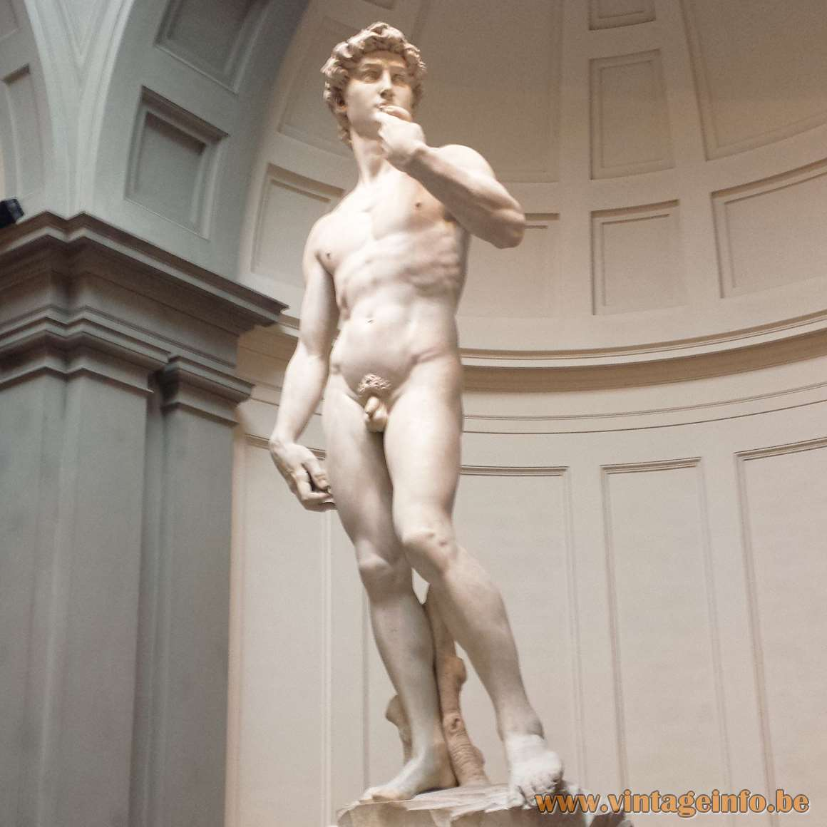 Targetti Clamp Spot Lamp - Targetti lights shining on David by Michelangelo in Florence, Italy - photo 2016
