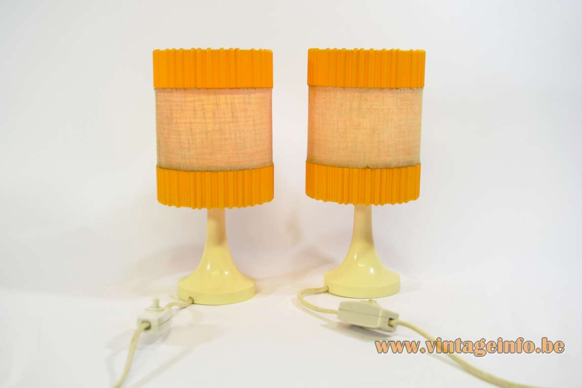 Aro Leuchte bedside table lamps cream-beige plastic base orange lampshades Germany 1960s 1970s MCM Mid-Century Modern