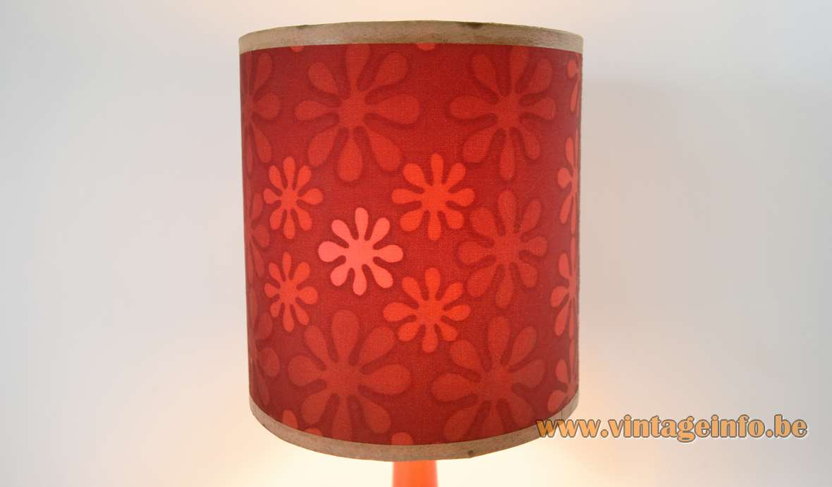 Red ceramic table lamp round base flowers lampshade 1960s 1970s MCM Mid-Century Modern E27 socket