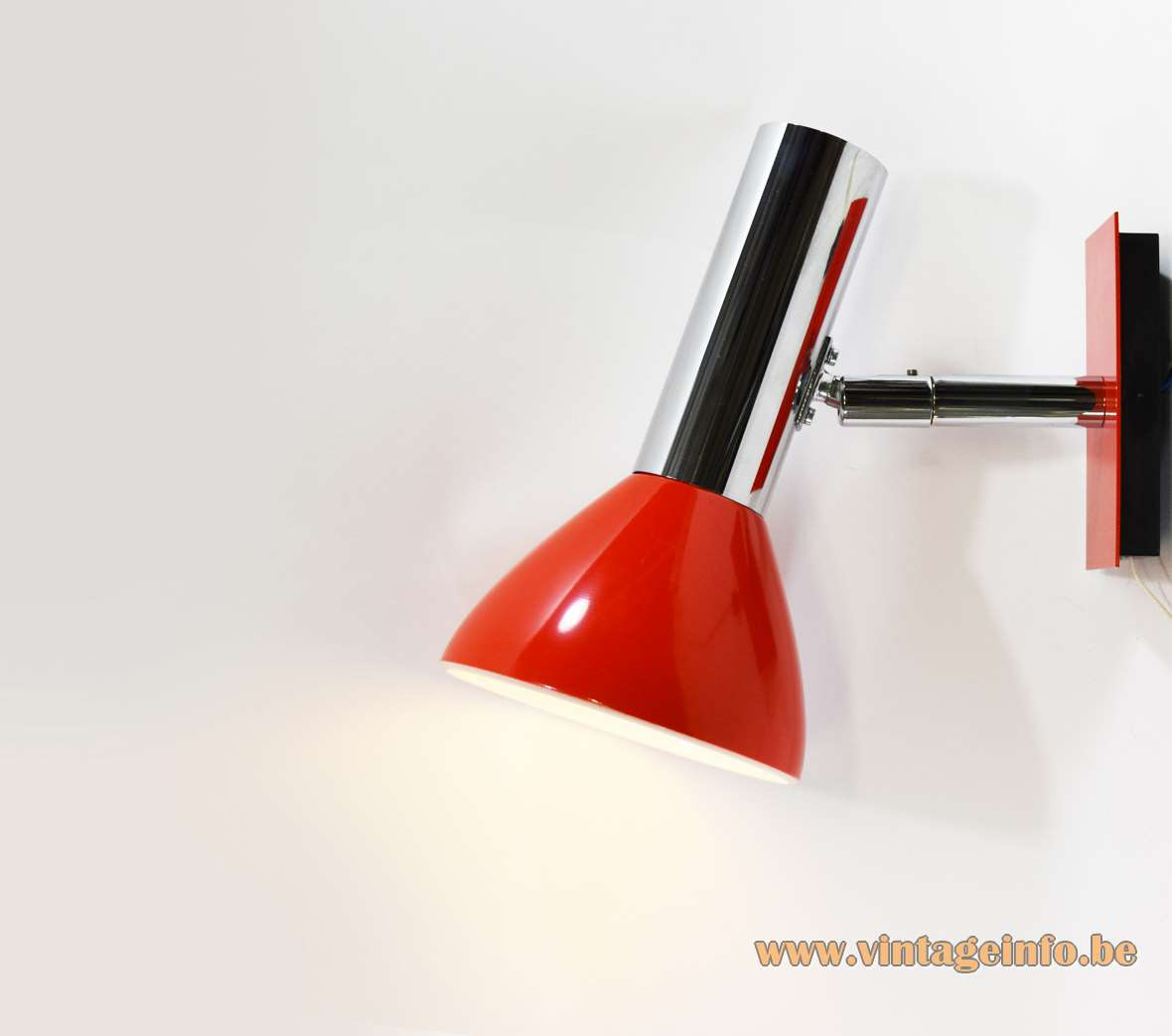 Hustadt-Leuchten wall lamp chrome joint red aluminium lampshade rectangular wall mount 1970s Germany MCM