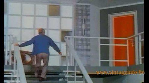 """Raak Fuga Wall Lamp - prop in film """"Jo - 1971, Louis de Funès"""" - MCM lamps in the movies"""