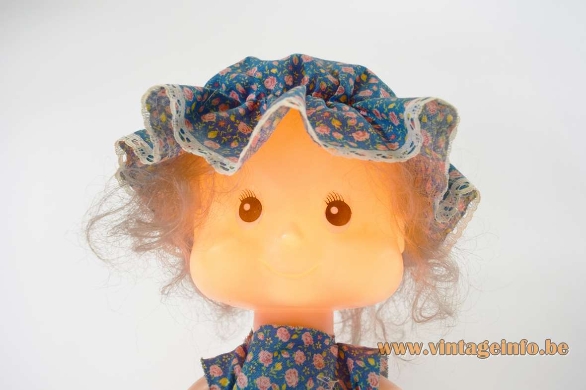 Nuova Linea Zero Bobblehead Table Lamp girl Holly Hobbie plastic 1970s night light children MCM