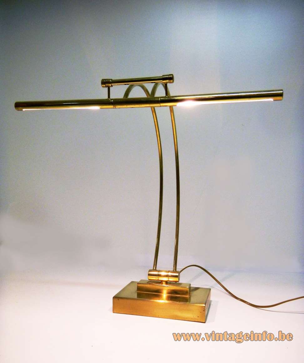 Presidential Desk Lamp completely made of brass Les Ateliers Boulanger Brussels Belgium 1990s table lamp