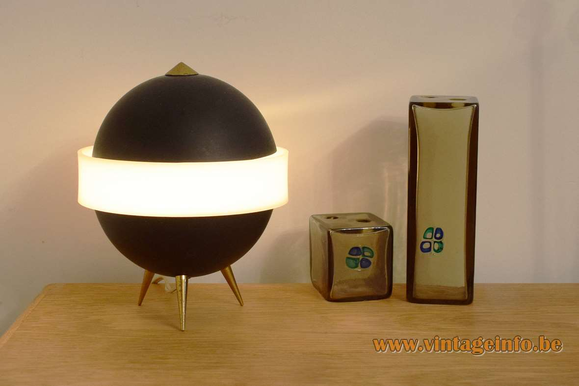 Saturn Tripod Table Lamp Vintageinfo All About Vintage Lighting