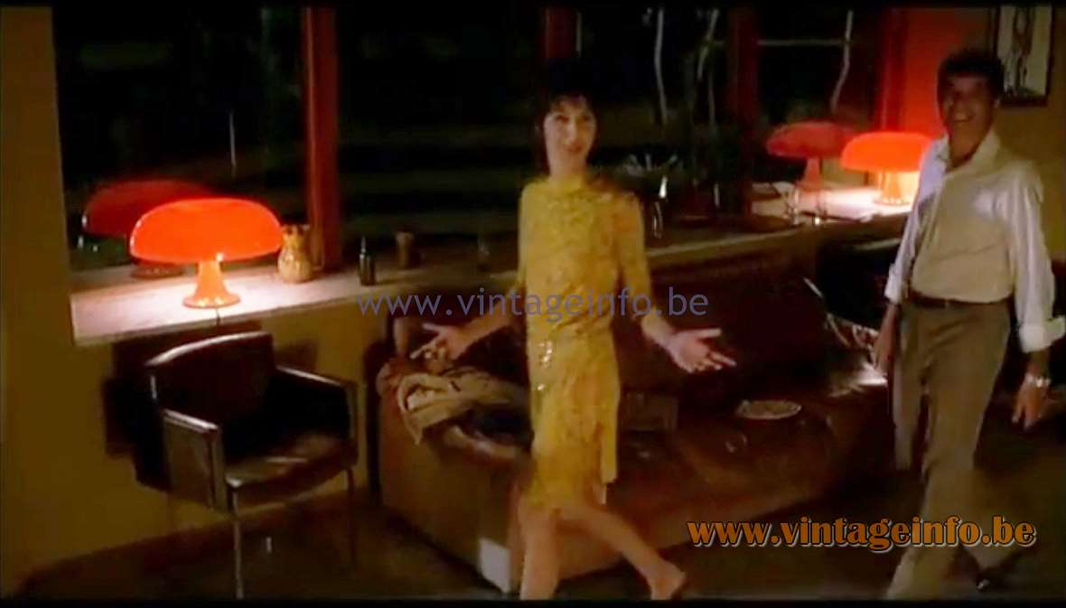 Artemide Nesso Table Lamps used as a prop in Tutto l'Amore Che C'è (2000) - Lamps in the movies!