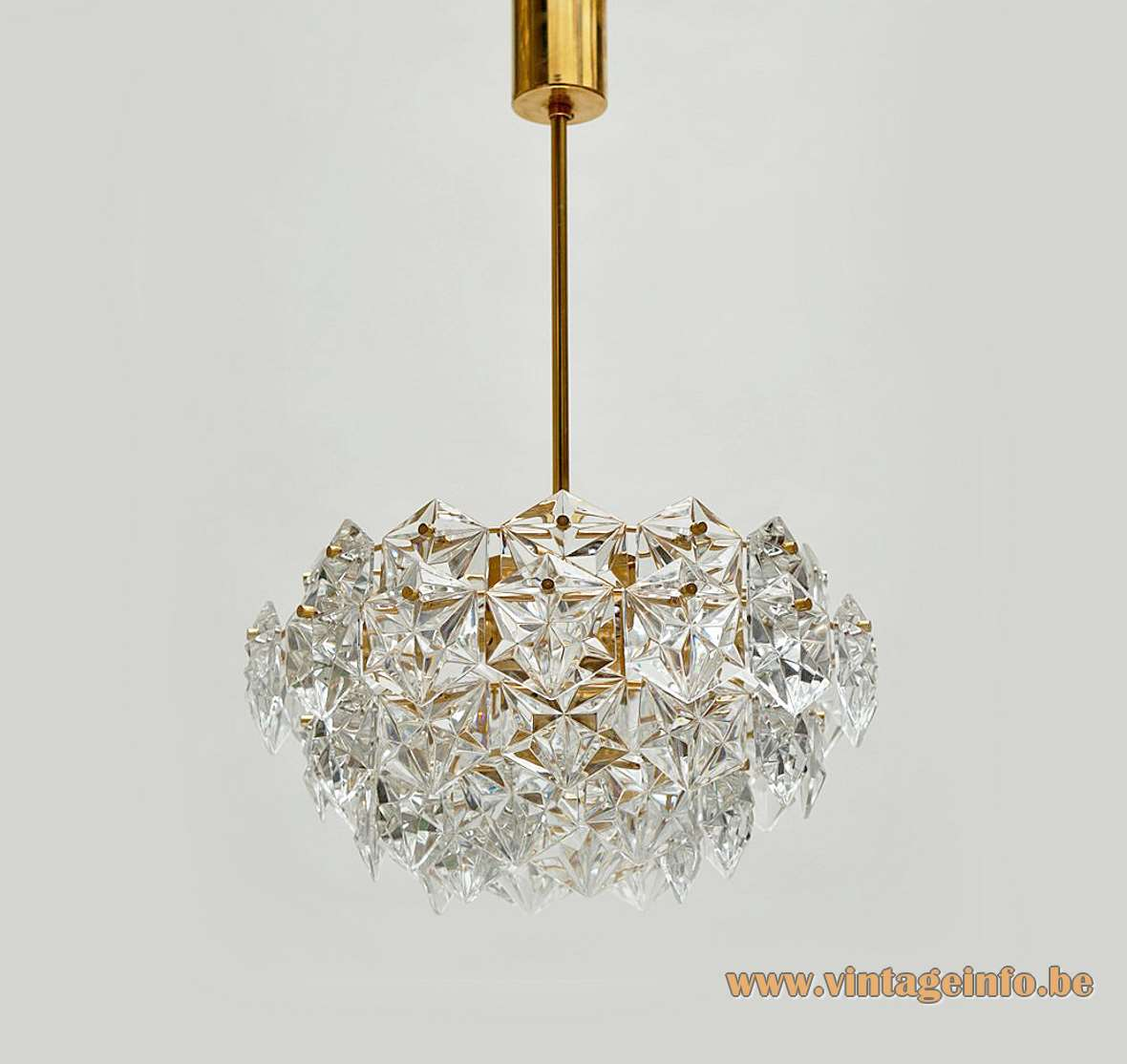 Kinkeldey faceted crystal glass chandelier 54 multifaceted parts gold plated brass frame E27 socket Germany 1960s