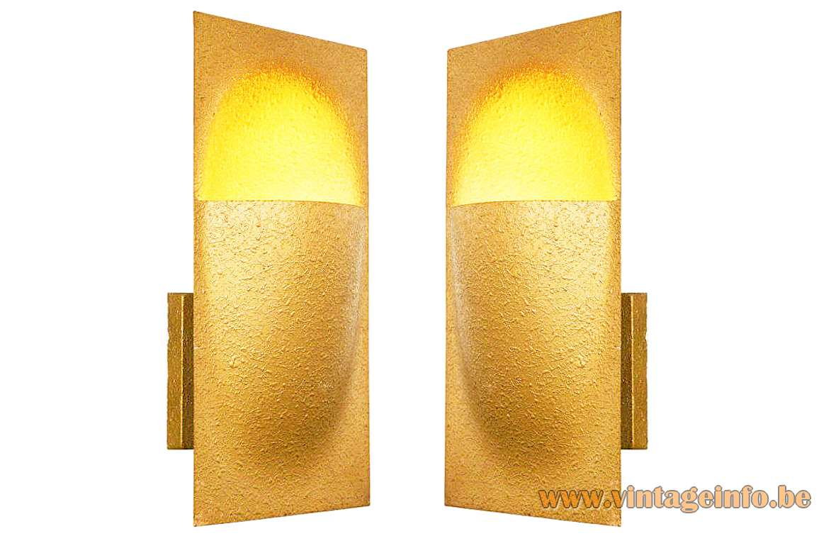 Raak wall lamp Balance designer: Bertrand Balas gold coloured brass model C-1550, C-1551 1960s 1970s Amsterdam MCM Mid-Century Modern