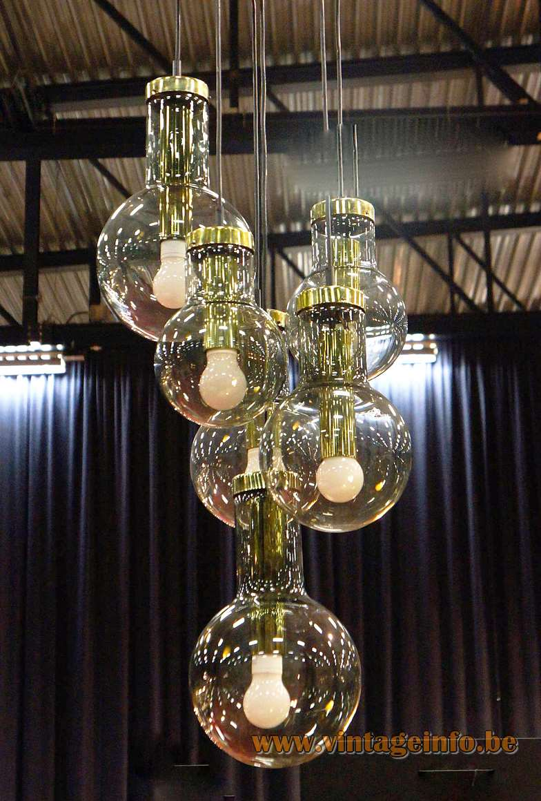 Raak Maxi-Lamp pendant chandelier 6 smoked glass globes brass parts E27 light bulbs 1960s 1970s
